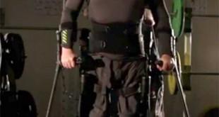 Mark Pollock prueba el exoesqueleto