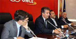 Firma del convenio entre la Policía Nacional y Fundación ONCE
