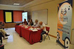 658_la-mesa-debate-un-reto-hacia-inclusion-precede-inauguracion-exposicion-fotografica-cocemfe-asturias
