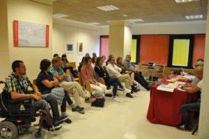 731_la-mesa-debate-un-reto-hacia-inclusion-precede-inauguracion-exposicion-fotografica-cocemfe-asturias