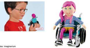 Emily muñeca en silla de ruedas de Imaginarium
