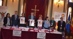 Foto con los representantes de las entidades